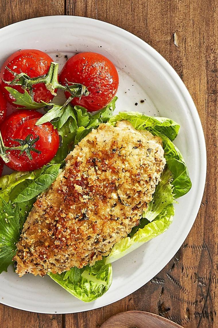 menu cena tra amici economica petto pollo gratinato contorno lattuga pomodori arrosto