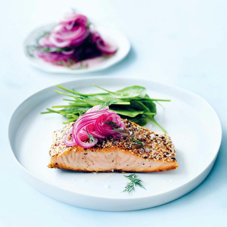 non so cosa fare da mangiare stasera filetto salmone forno cipolla rossa contorno spinaci