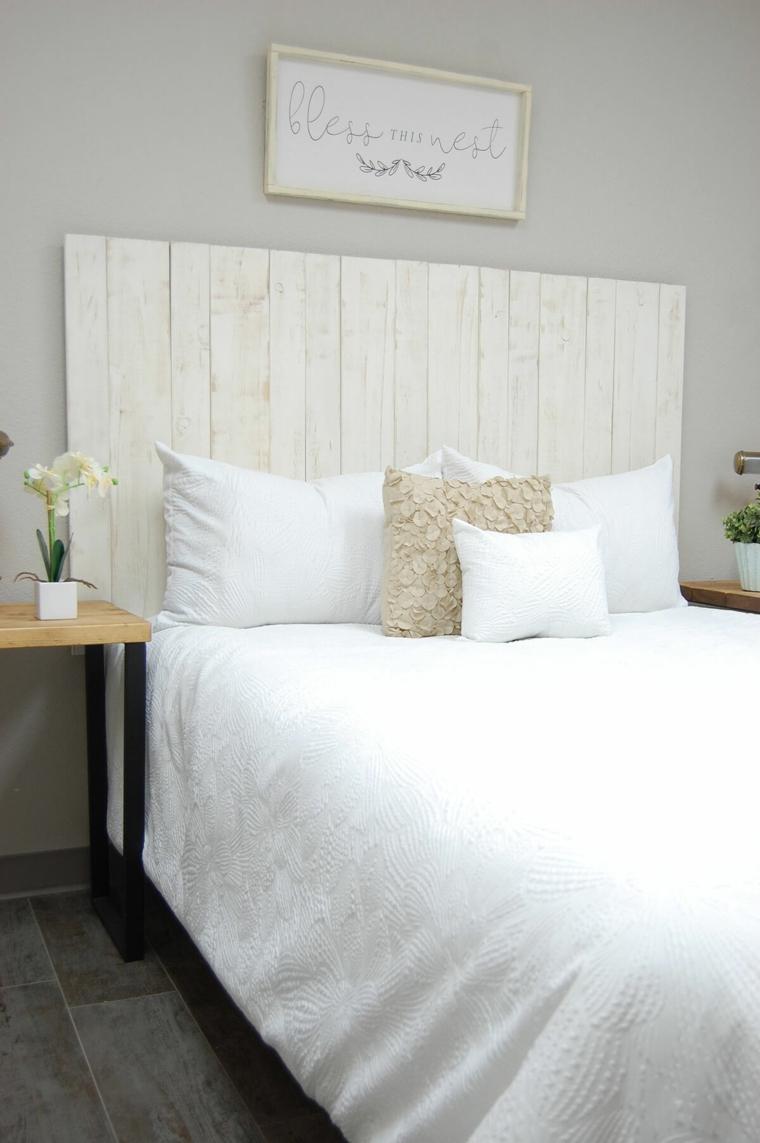 Come decorare la testata del letto, bancale di legno come testata del letto