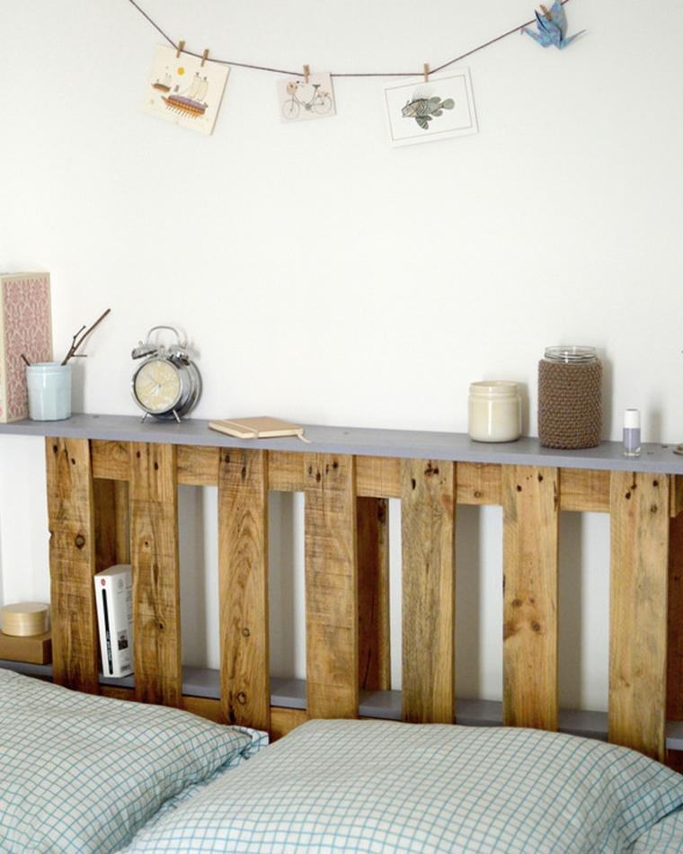 Come fare testiera del letto, bancale di legno come testata del letto, ghirlanda con foto