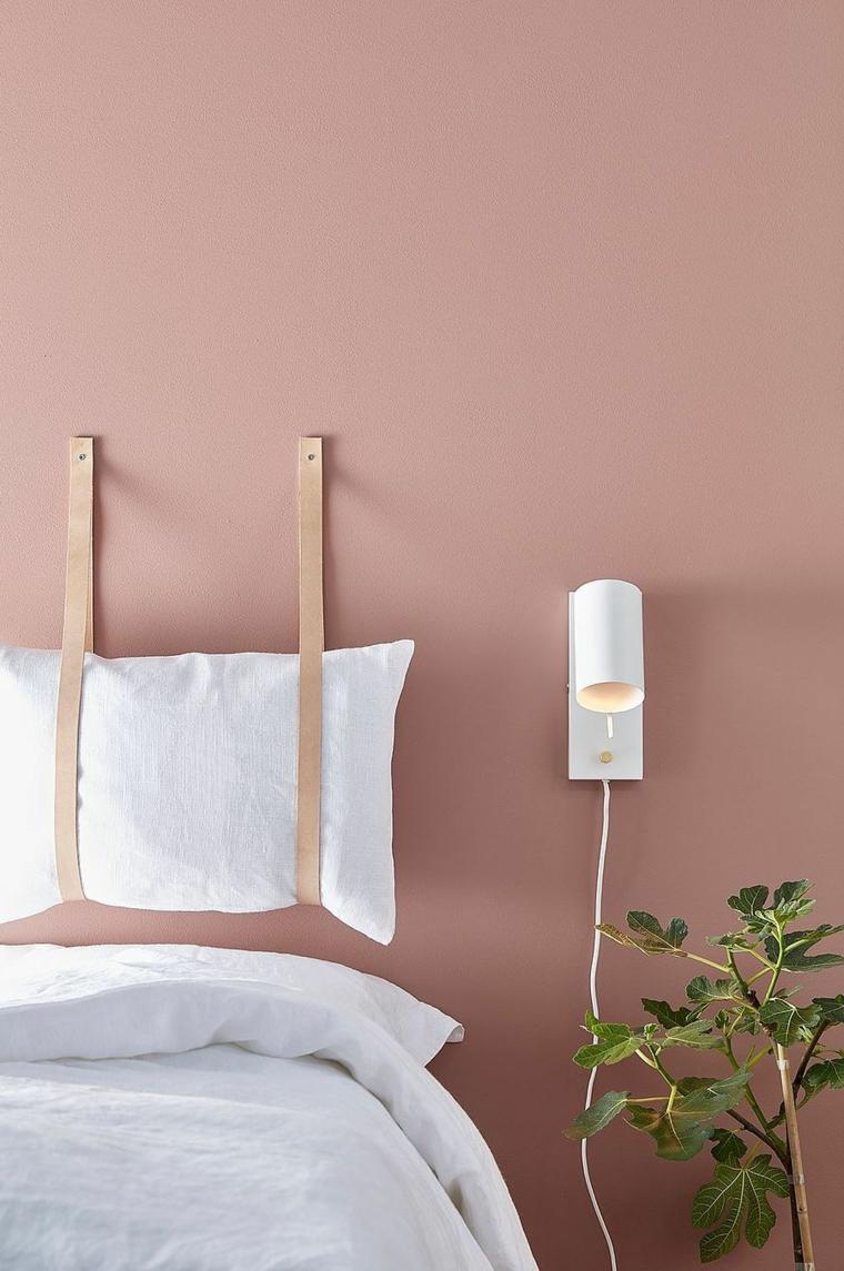 Testata del letto con cuscini, come fare testiera del letto, camera da letto con pareti rosa