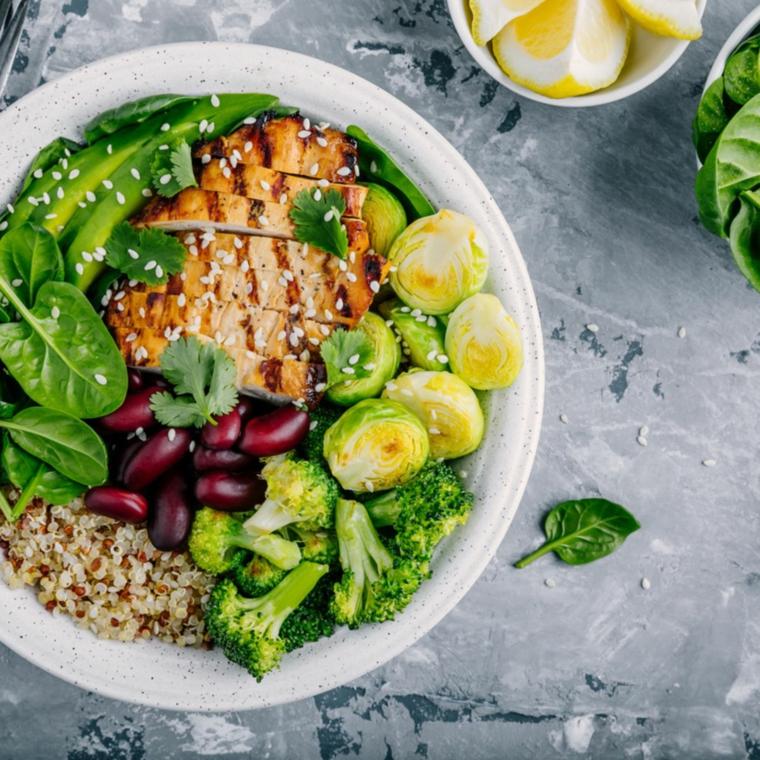 perdere peso ricette cena veloce ed economica insalata carne filetti pesce spinaci broccoli