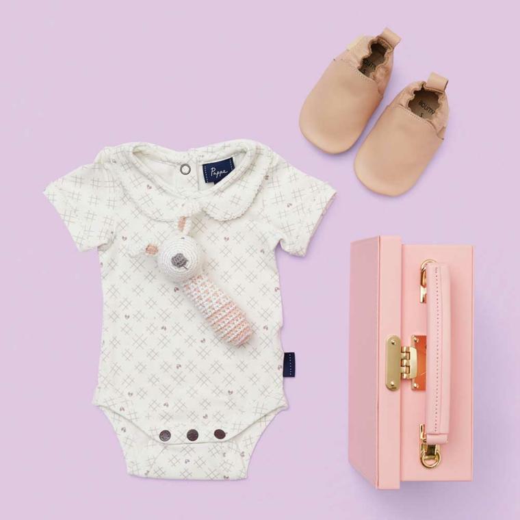 regalo battesimo bimba tutina body giocattolo valigia rosa scarpette