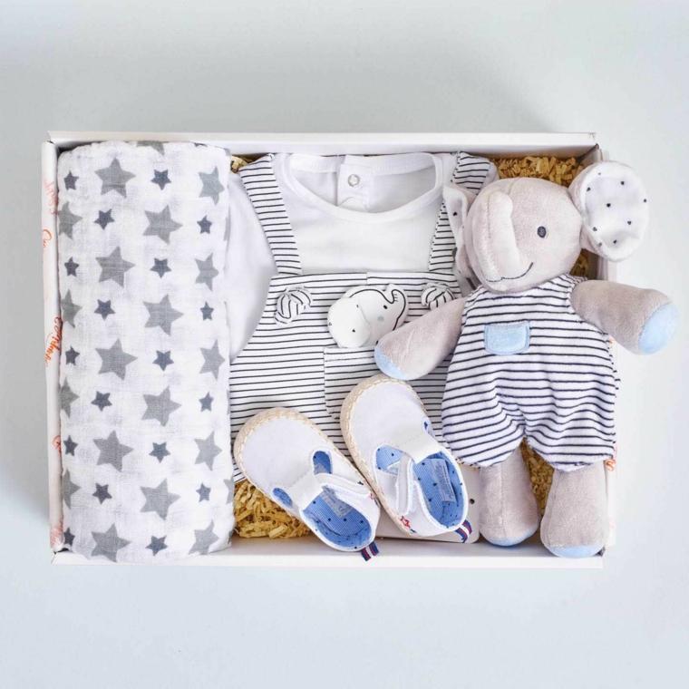 regalo battesimo maschio scatola vestitini peluche scarpette tutina coperta stelle