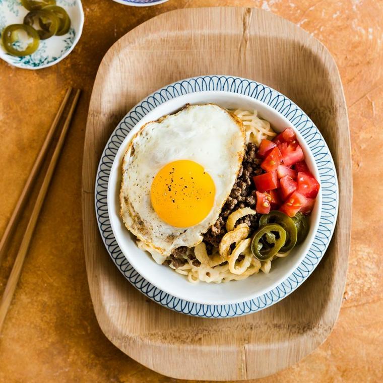 ricette facili e gustose per cena peperoni quinoa uovo piatto unico