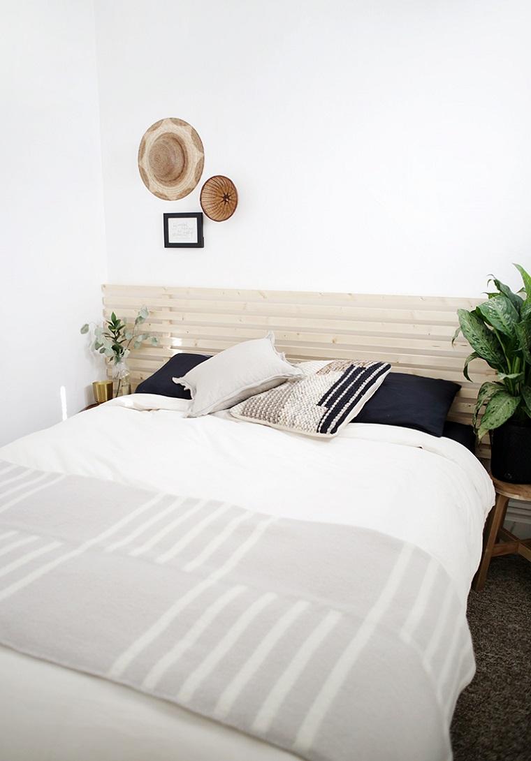 Testata letto fai da te tutorial, camera da letto con due comodini, testata del letto con ringhiera di legno