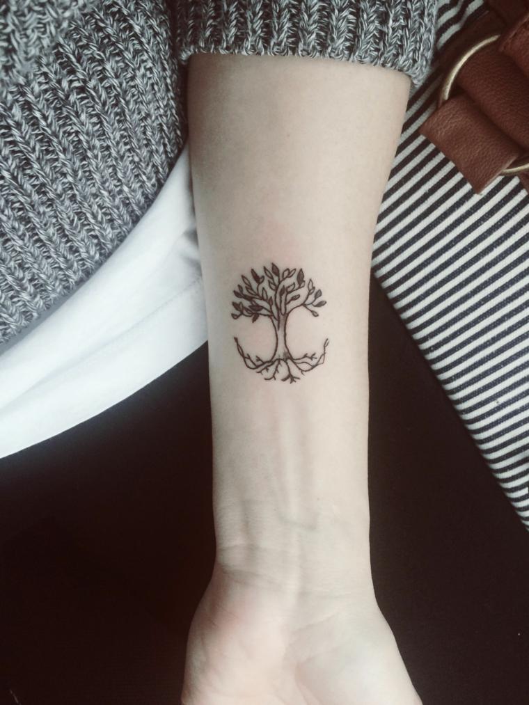 tatuaggio avambraccio albero della vita tattoo disegno donna felpa