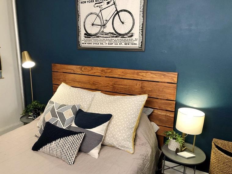 Testiera letto fai da te, camera da letto con pareti blu, testata del letto on legno