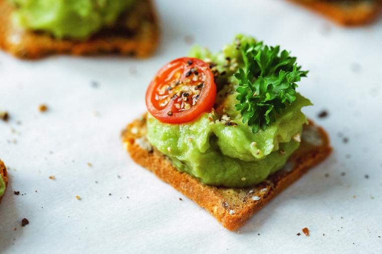toast gucamole avocado pomdoro grigliato stuzzichini apericena pane integrale