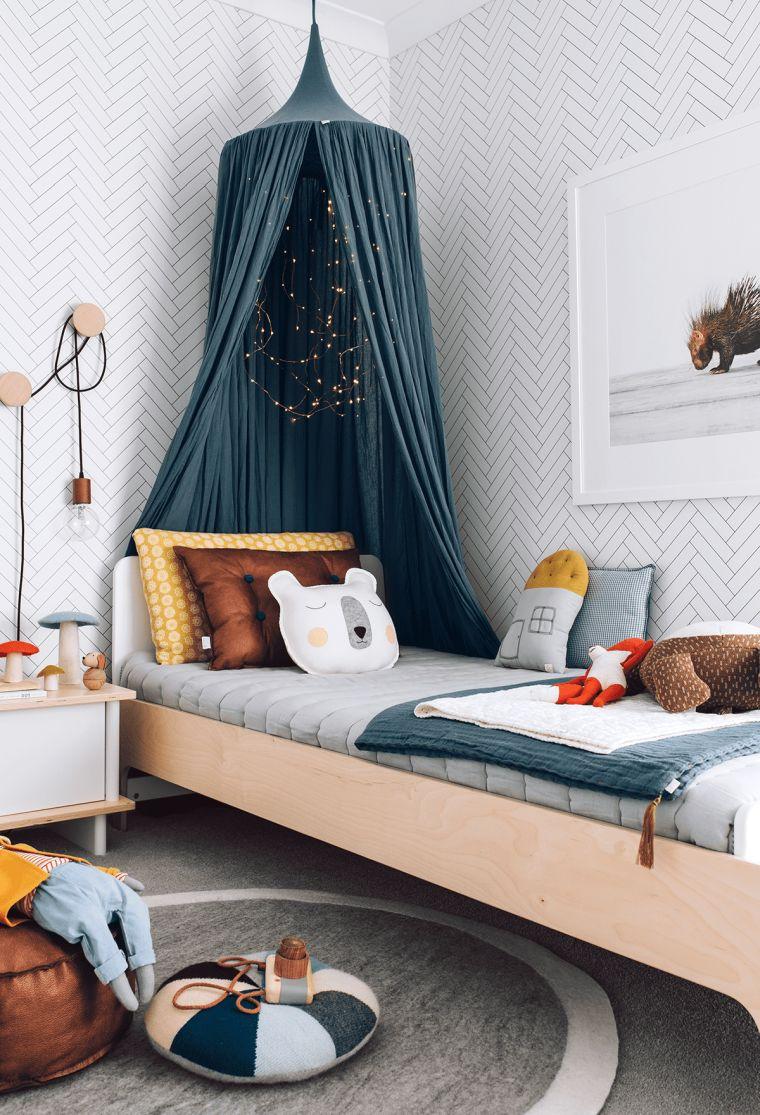 camere da letto moderne per ragazza tenda comodino cuscini tappeto parete carta da parati