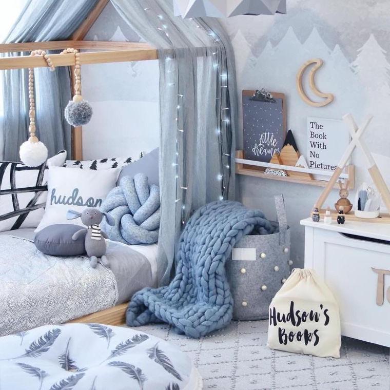 camere da letto tumblr tulle grigio mensola libri cesto cuscino coperta