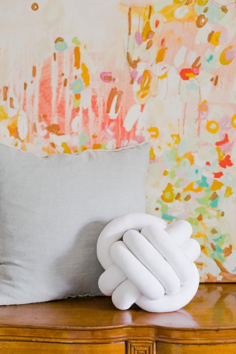 come fare una fodera per cuscino senza cerniera nodo tessuto bianco parete dipinta