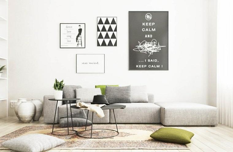 come posizionare i mobili in salotto divano grigio tavolini bassi stile scandinavo