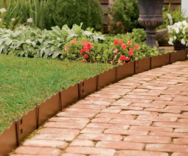 cordoli per aiuole fai da te mattoncini sentiero giardino erba pravo verde piante fiori