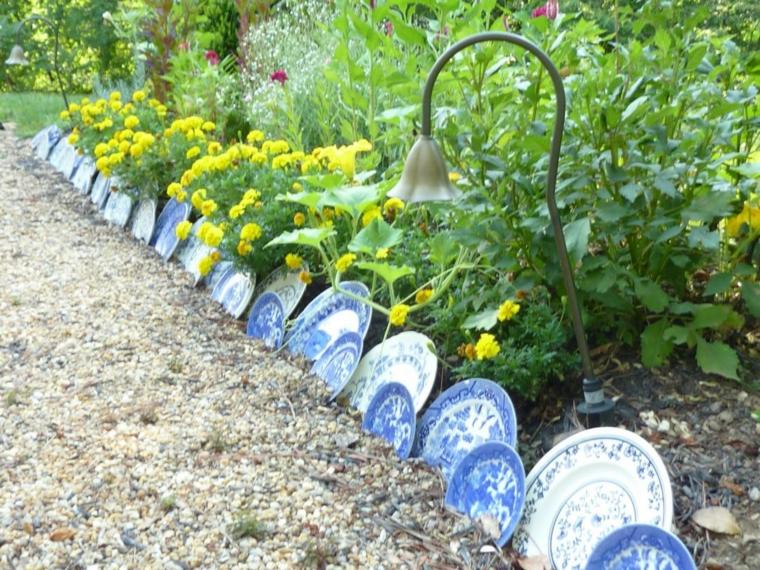 cordoli per aiuole fai da te piatti ceramica giardino painte fiori lampada