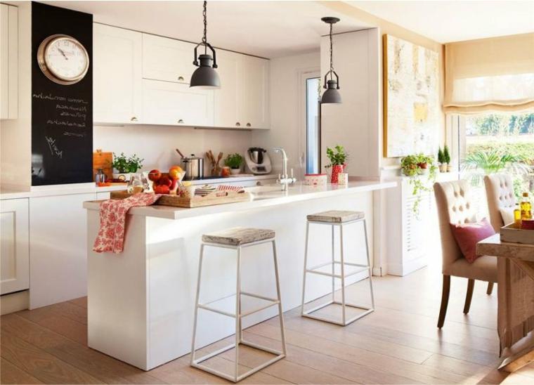 cucina ad angolo con penisola sgabelli tavolo sedie legno lampadario accessori