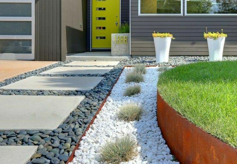 ghiaia da giardino piante verdi succuelenti aiuole fai da te immagini giardino camino