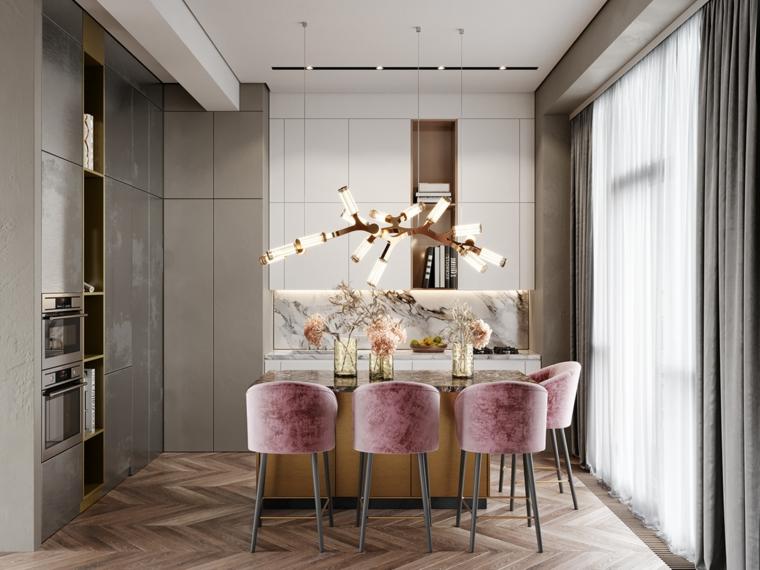 immagini cucine moderne isola sedie velluto pavimento parquet lampadario sospeso finestra tende