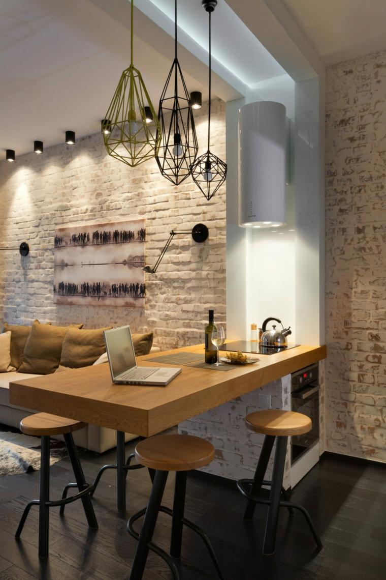 immagini cucine moderne rivestimento pareti effetto pietra lampade sgabelli