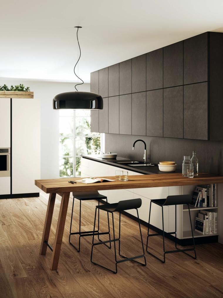 isola tavolo prolungato cucine moderne con frigo esterno pavimento parquet lampada