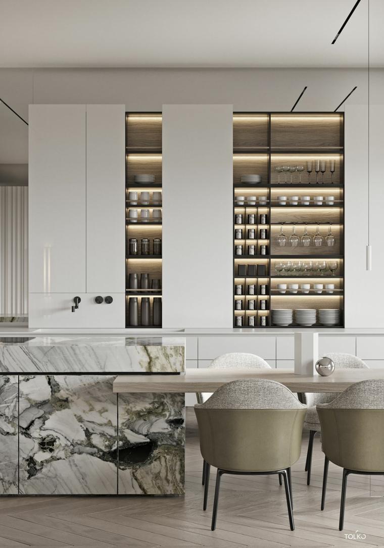 marmo cucina angolare con isola tavolo sedie scafalli porte vetro parquet