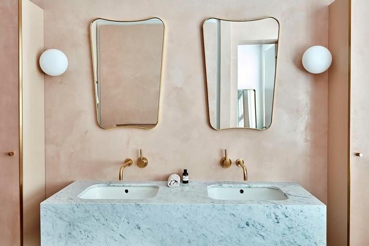 rivestimenti bagni esempi due specchi lampade mobile doppio lavabo marmo