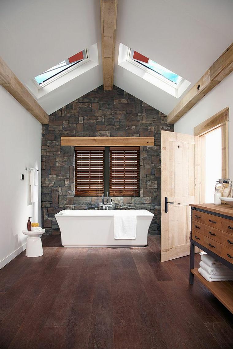 rivestimenti bagni moderni immagini pavimento legno parquet travi vasca
