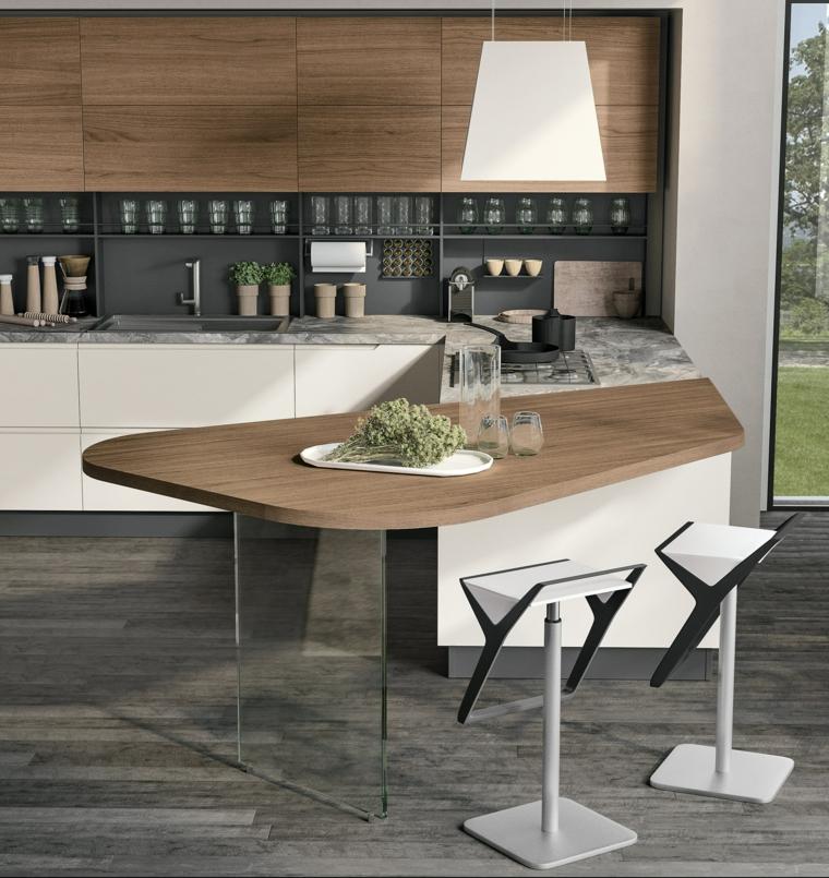 sgabelli cucina con piccola penisola ovale top legno lampada pavimento parquet