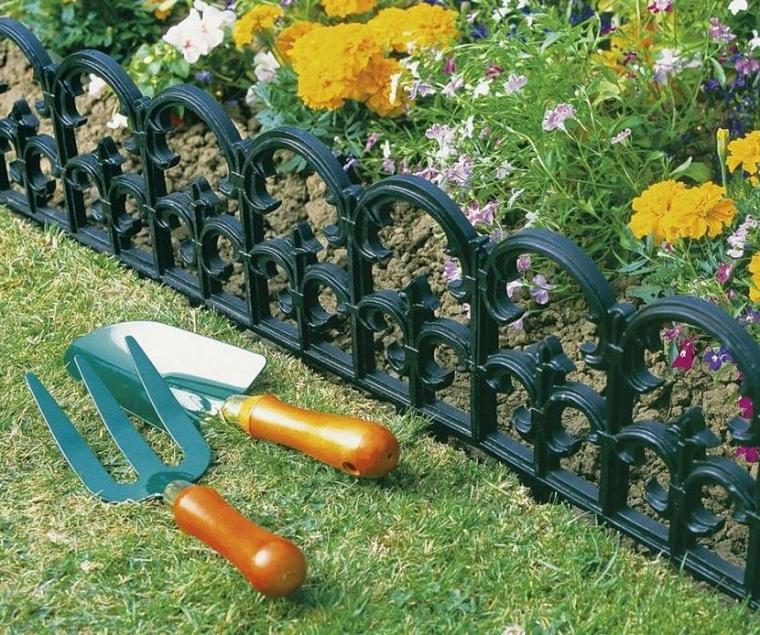 strumenti giardinaggio cordoli per aiuole fai date metallo recinzione giardino piante fiori
