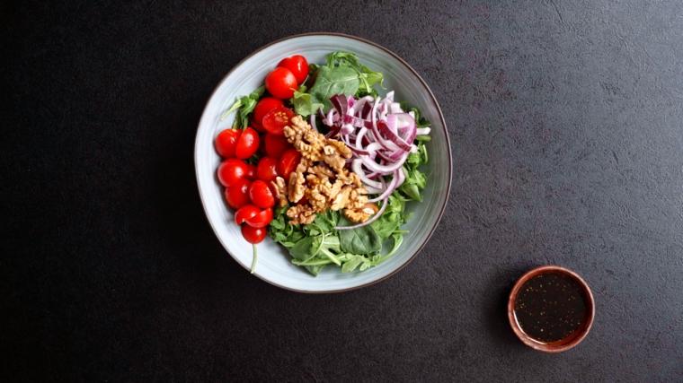 antipasti da preparare in anticipo piatto insalata di pesche grigliate e formaggio
