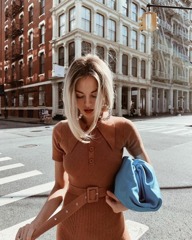 capelli corti color nocciola taglio caschetto donna borsa taglio lungo davanti corti dietro
