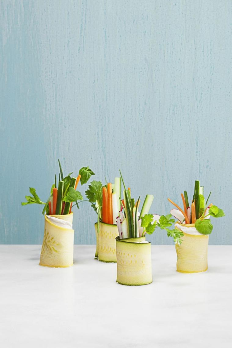 involtini di zucchine con verdure carote e prezzemolo aperitivo vegetariano