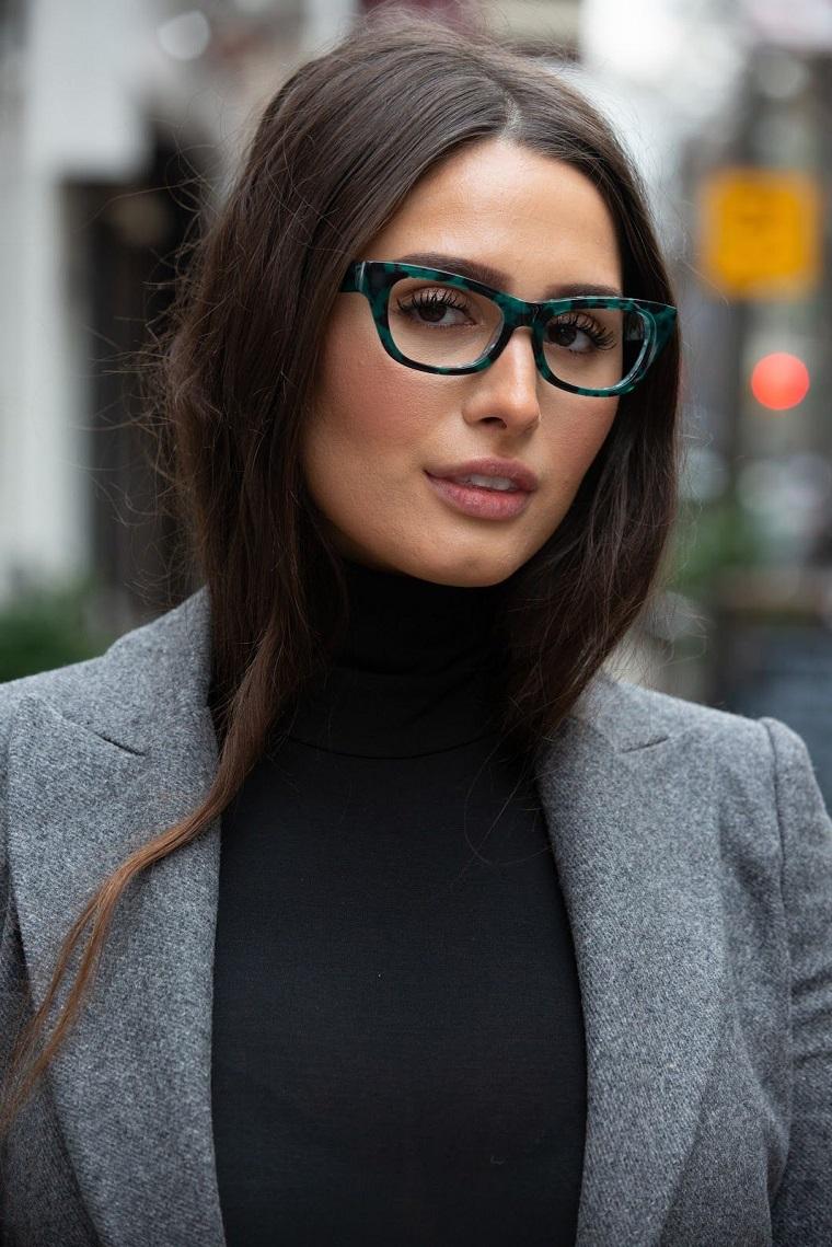 montature occhia da donna colore blu vista ragazza capelli castani lunghi lisci