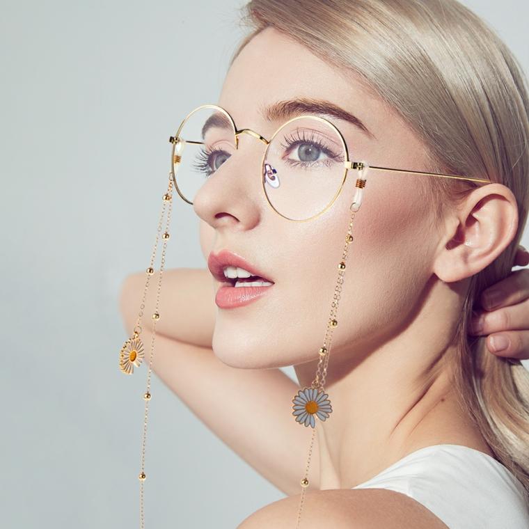 occhiali tondi da vista a chi stanno bene montatura metallo donna capelli biondi