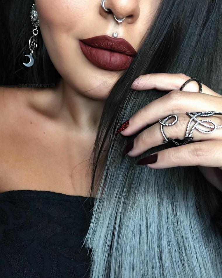 piercing labbro medusa anello naso orecchini rossetto mat donna smalto unghie