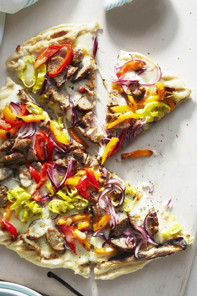 pizza con cipolla rossa e peperoni idee ricette per antipasti vegetriani a casa