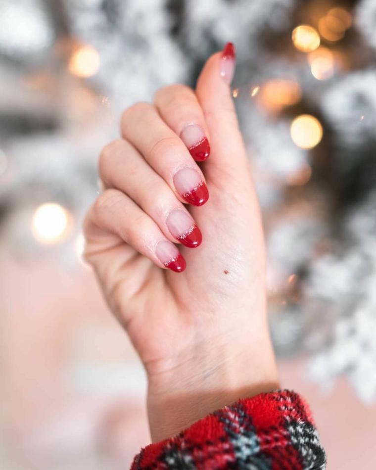 smalto semipermanente e colori unghie a mandrola french manicure di colore rosso