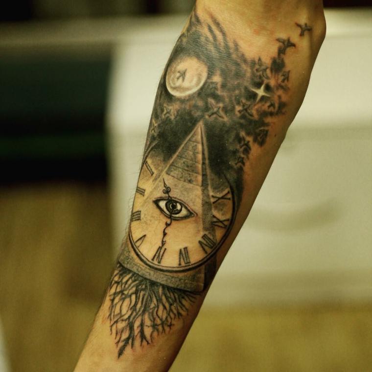 tattoo con disegno triangolo e occhio idee tatuaggi uomo braccio e avambraccio