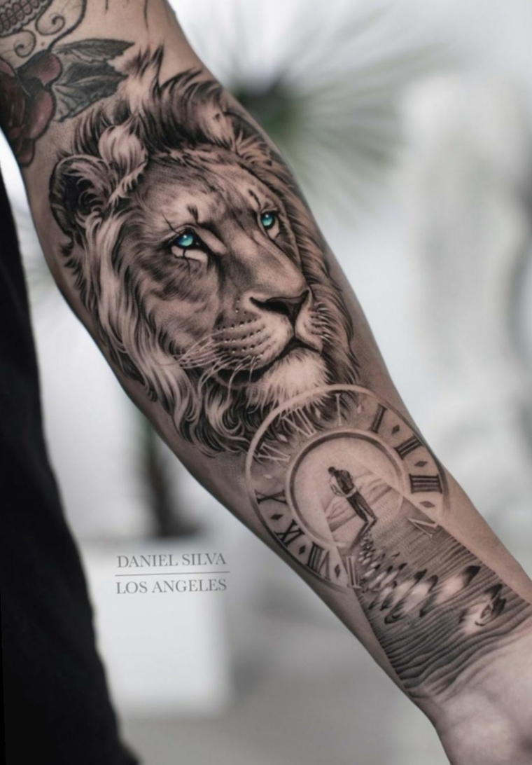 tattoo sull avambraccio e polso della mano tatuaggi braccio uomo leone