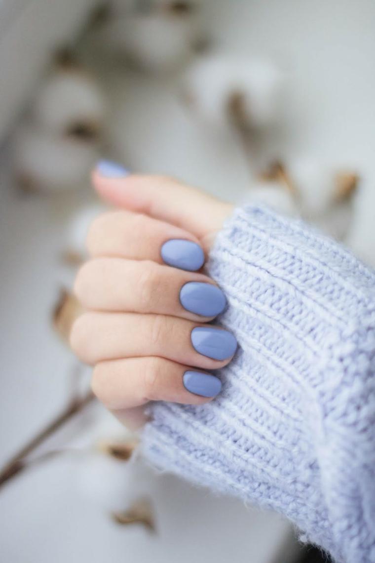 unghie gel autunno 2020 immagini smalto unghie manicure corta di colore azzurro