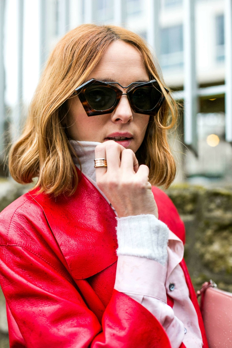 pettinatura taglio long bob tagli capelli 2020 2021 lunghi donna con occhiali da sole