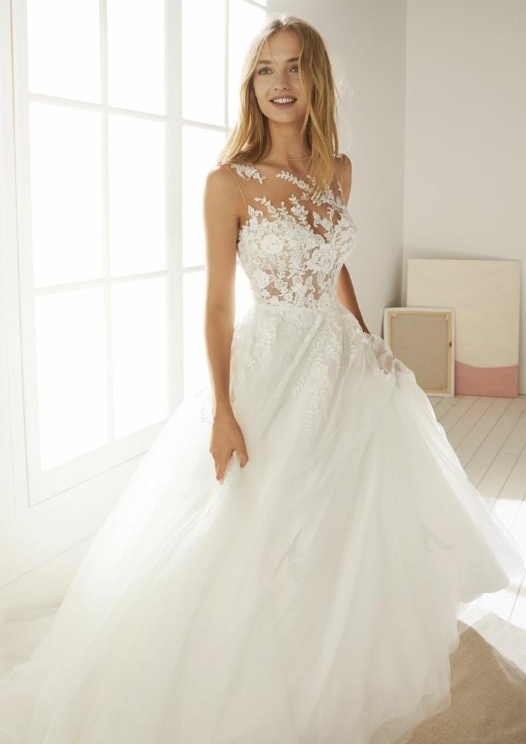 abiti da sposa 2021 anteprima vestito con gonna in tulle bianco