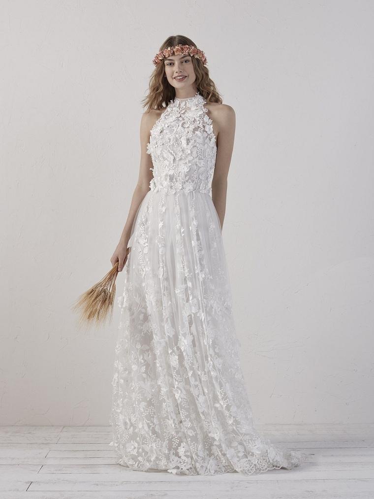 abiti da sposa collezione 2021 modello vestito 3d marchio pronovias capo con applicazioni fiori