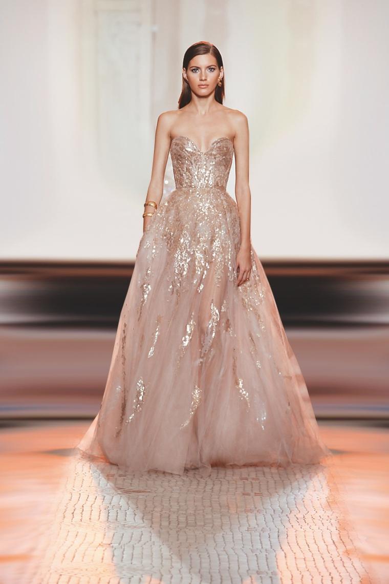 abiti da sposa colorati 2021 vestito principessa di colore rosa con paillettes