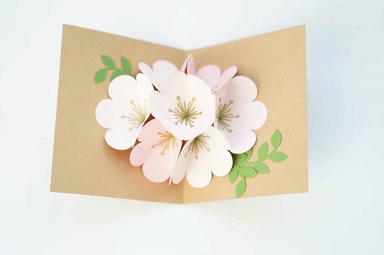biglietti di compleanno fai da te pop up cartolina piegata con fiori rosa
