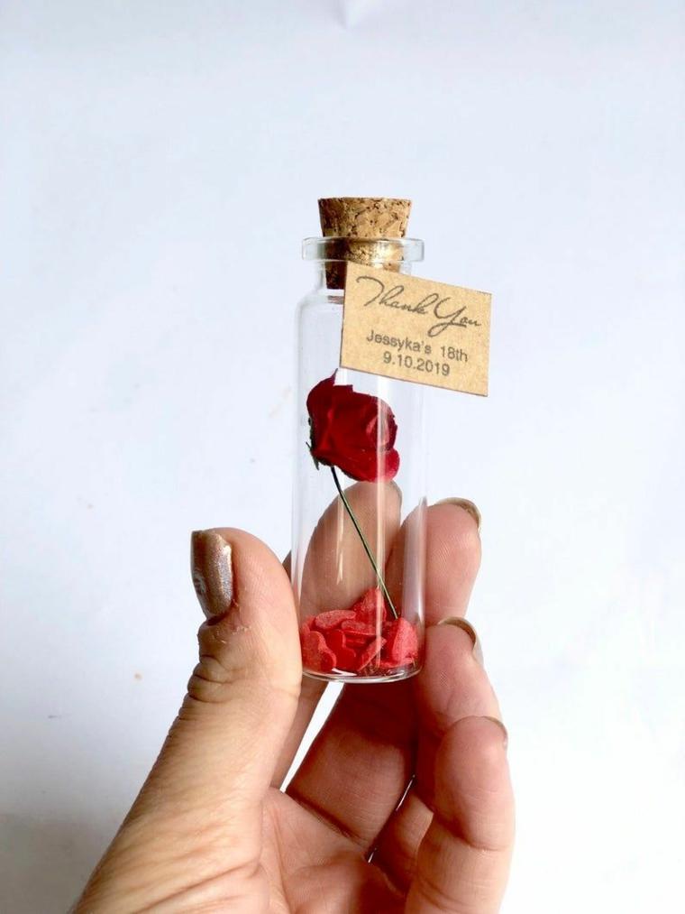 bomboniere per battesimo bimba bottiglietta di vetro con etichetta personalizzata