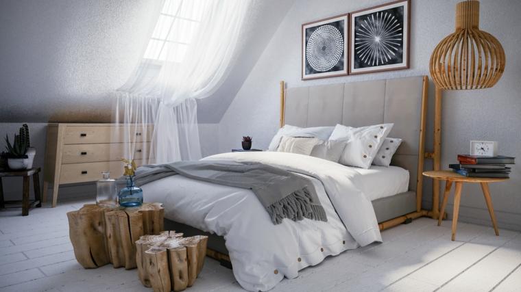 camera da letto stile scandinavo comodini di legno soffitto in pendenza con finestra