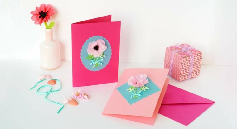 cartoline di carta colorata con decorazioni bigliettino con fiori incollati 3d