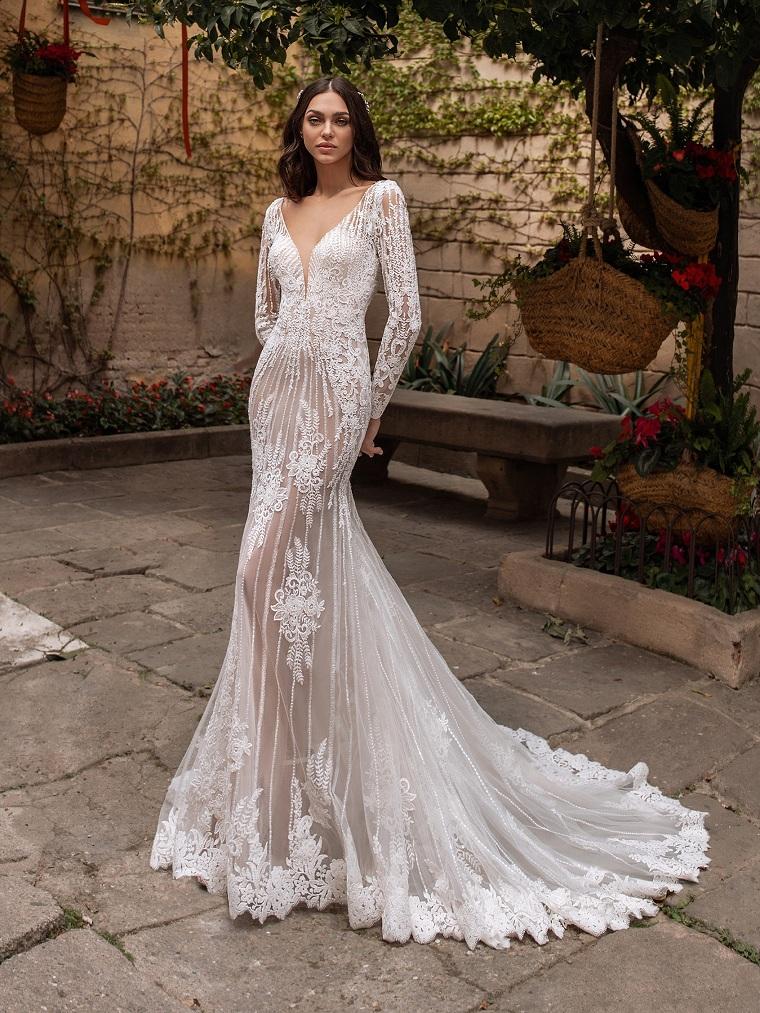 collezione abiti da sposa 2021 donna con capo da cerimonia bianco e tulle lungo