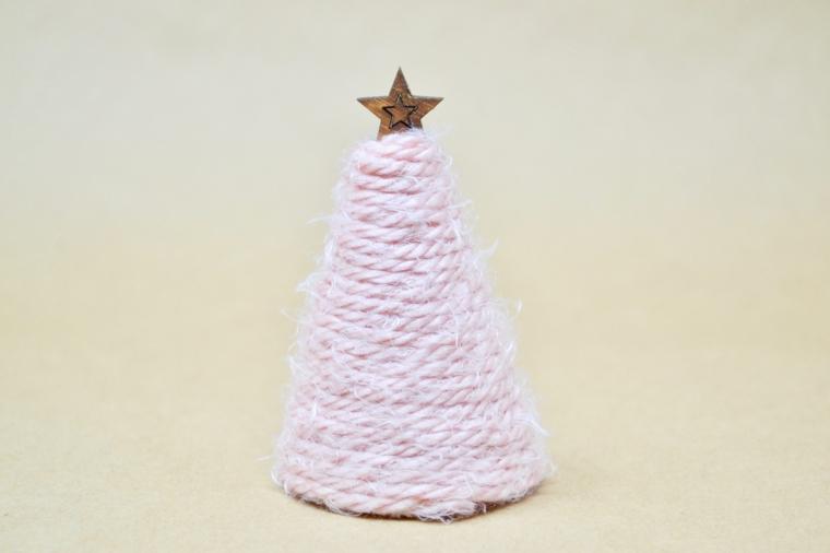 come addobbare l albero di natale 2020 avvolto filo lana rosa decorazione con stella